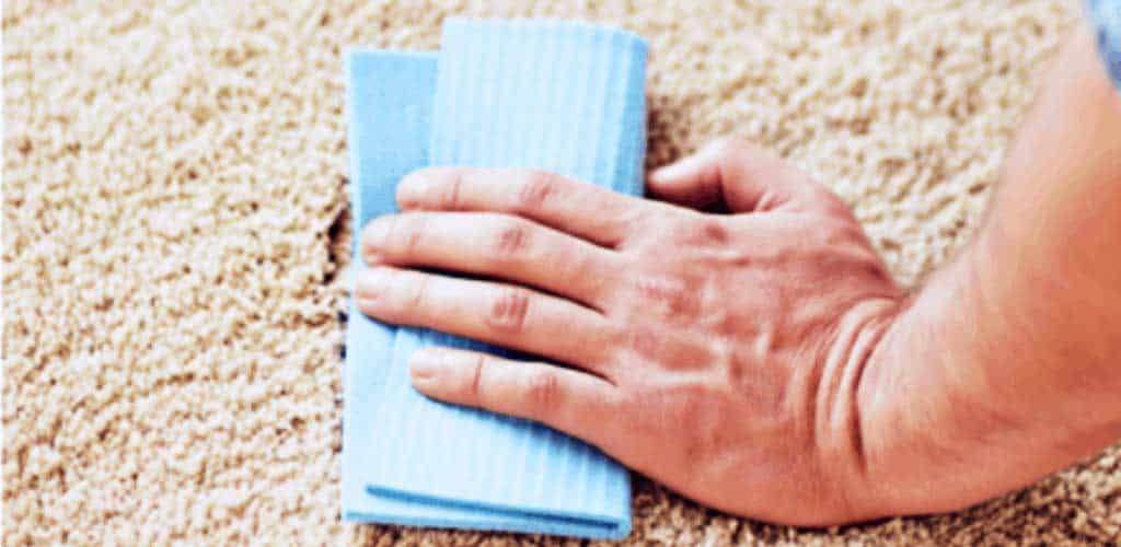 почистване на килим с препарат